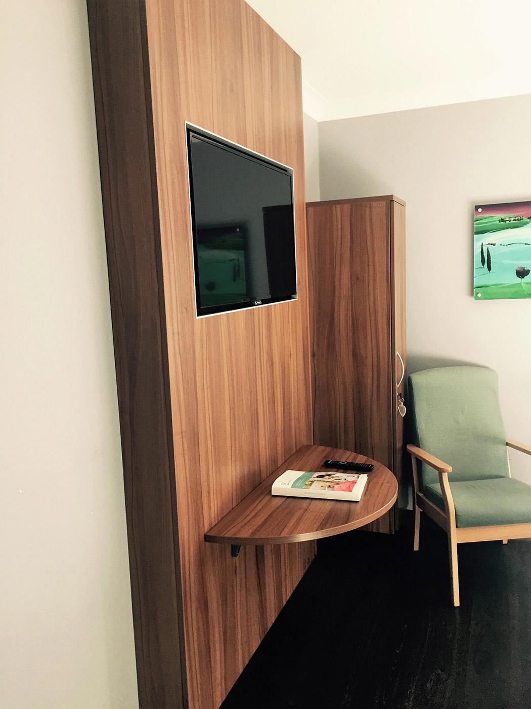 Patient's bedrooms furniture solution